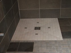 Installation de douche l 39 italienne paris la douche moderne for Pose carrelage douche a l italienne